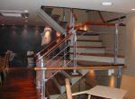 Escada metálica Häagen Dazs